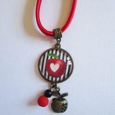 "Collier ""pomme"", cabochon bronze, bijou fantaisie"