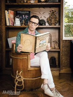 """Another contender for the """"funny = hot"""" geird category. Also, the man knows how to wear big glasses and we all know how much I like this. Ems Humor, Fred Armisen, Comedy Actors, Matthew Perry, Saturday Night Live, Future Boyfriend, Great Love, Funny People, Famous People"""
