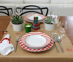 christmas table setting - brown paper