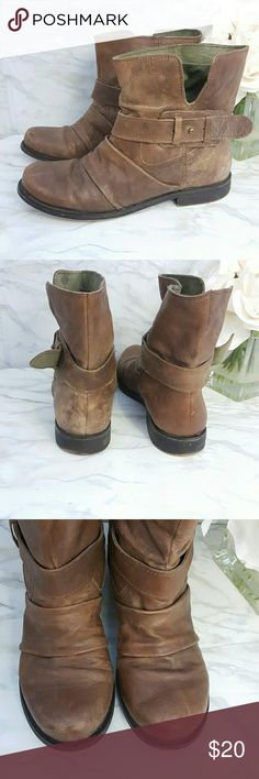 Nine West Vintage America Leather Moto Booties Nine West camel brown leather motorcycle boots/ankle boots/booties  Genuine  Leather uppers Size 7.5 Almost like new barley worn *see pics* Nine West Shoes Combat & Moto Boots