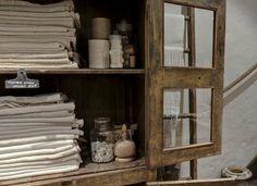 vintage linen sacks - a tour of i gigi general store - as seen on linenandlavender.net - http://www.linenandlavender.net/2014/01/source-shar...