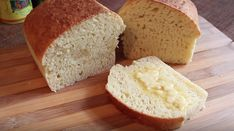 Ingredientes: – 360ml de Leite; – 2 col. (sopa) manteiga ou margarina sem sal; – 2 ovos; – 3 xic. (chá) farinha de trigo sem fermento; – 2 col. (sopa) açúcar; – 1 col. (sobremesa) de sal; – 1 col. (sopa) fermento biológico seco; Aqueça o leite... Banana Bread, Food And Drink, Cake, Healthy, Desserts, Recipes, Breads, Instagram, Pastel