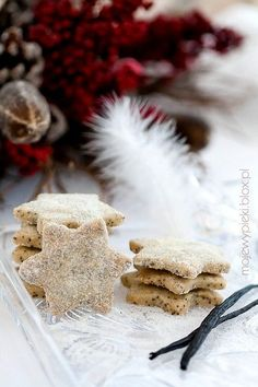 When you translate the recipe, these vanilla poppyseed stars sound totally tasty :D (traditionally served for Wigilia) Baking Recipes, Cookie Recipes, Dessert Recipes, Christmas 2014, Christmas Baking, Polish Christmas Traditions, Poppy Seed Cookies, German Cookies, No Bake Cookies