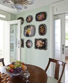Жостовские подносы в интерьере кухни