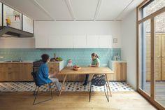 Los azulejos de la cocina - AD España, © Nieve | Productora Audiovisual