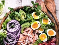 Salmon Cobb Salad ~ a twist on a classic main course salad that proves that salad can complete with tacos or pizza any night of the week! Cobb Salad Dressing, Salad Dressing Recipes, Salad Recipes, Salad Dressings, Drink Recipes, Yummy Recipes, Best Gravy Recipe, Ratatouille, Greek Lemon Potatoes