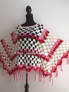 CROCHET PATTERN ** ** (Dutch & English-US)  This poncho is both straight and in a point.   The poncho is crocheted with ca. 350 gram Royal and haaknaald number 6. He is ca. 60 cm (height) * 121 cm (width) (excl. the fringes measured).    Amount of yarn that I used: Total ca. 350 grams  CA. 187 grams of cream CA. 89 grams pink approx. 72 g Red    * If you want to use other yarn:  Royal is suitable for needle 4-5 and 1 ball = 241meter/100 gram.  Crochet hook size Dutch USA USA UK 2 0 14 2.25 B…