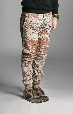 Amokrun Desert Jogger Pants. #streetwear #jogger www.amokrun.com