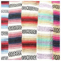 Ya están disponibles las mantas mexicanas en la página! Busca el color que más te guste en el link de la bio