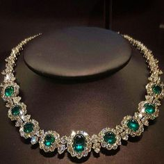lescaratsBeautiful Emerald & Diamond Necklace by Harry Winston..................... #emerald #diamonds #jewelry #necklace #jewels #womensfashion #HarryWinston #christies #Auction #nyc #NewYork #newyorkcity #luxury #lifestyle #glamour #hongkong #auction #photooftheday #followme #instagood #instagram #beautiful #LesCarats #press #Magazine #highjewelry @christiesjewels