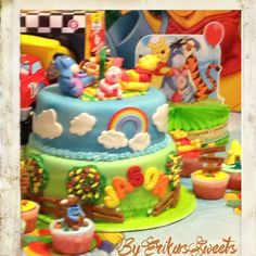 Cute Winnie the Pooh Cake..