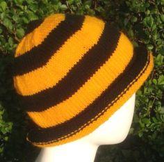 Handknitted yellow