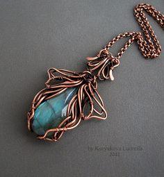beautiful wirework pendant - very Mucha-esque