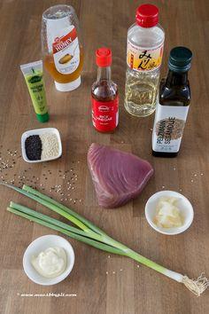 Tonijnsteak tataki in sesamkorst - Mac's Barbecue Pit Barbecue Pit, Rice Vinegar, Rice Bowls, Food N, Asian Recipes, Sushi, Mac, Japanese, Party