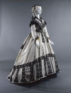 Robe à transformation, 1866-67 From the Musée Galliera