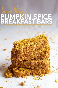 You are going to love these healthy pumpkin breakfast bars. Made with simple and wholesome ingredients, they're refined sugar-free and oh so tasty. Lemon Desserts, Healthy Dessert Recipes, Breakfast Recipes, Breakfast Ideas, Healthy Food, Brunch Ideas, Brunch Recipes, Eating Healthy, Cocktail Recipes