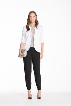 Trenery's Modern Linen Blazer - Our pure linen blazer is an easy update to your smart-casual wardrobe. This fully lined design has softly structured shoulders and the textured fabric is perfect for layering in the warmer months.
