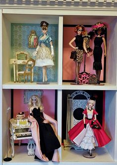 Display case close ups 1 Barbie Room, Play Barbie, Barbie Diorama, Vintage Barbie Clothes, Case Closed, Barbie Collection, Expo, Barbie Friends, Barbie World