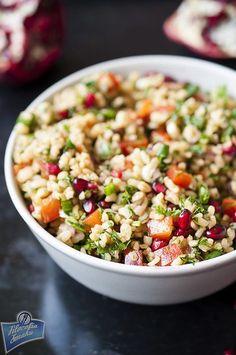 Sałatka z bulgurem i papryką Salad Recipes, Diet Recipes, Cooking Recipes, Healthy Dinner Recipes, Vegetarian Recipes, Vegan Cafe, Slow Food, Different Recipes, Food Dishes