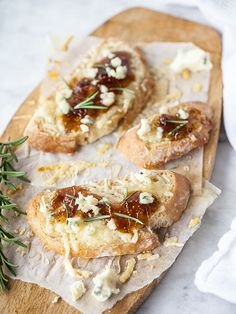 Fig Spread and Cheese Crostini Appetizer
