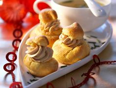 The holidays are not conducive to savings, we know. So for students, large families or small budgets, we forget … by Profiteroles, Foie Gras, Mousse, Croquembouche, Cheap Christmas, Christmas Menus, Creme Brulee, Appetisers, Cheap Meals