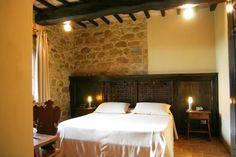 Deluxe Room Delle Chiavi - stone and plastered walls. (21 MQ)