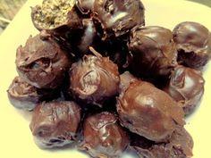 Σοκολατάκια με 3 υλικά ΜΟΝΟ !! ~ ΜΑΓΕΙΡΙΚΗ ΚΑΙ ΣΥΝΤΑΓΕΣ 2 Cooking Recipes, Easy Recipes, Recipies, Stuffed Mushrooms, Deserts, Easy Meals, Sweets, Candy, Cookies
