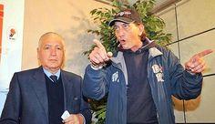 Alberto Savarese in una foto del 2 febbraio 2011 con l'allora presidente del Bari Vincenzo Matarrese. Ansa