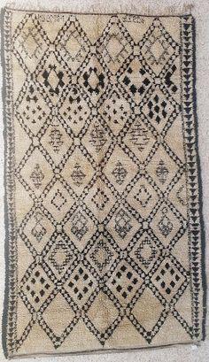 Beni Ourain, Beniourain, Beniouarain, beni ouarain vintage berber rug from morocco BO16519