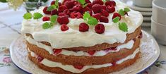 Kermatäytekakku on varma kakkuvalinta arkeen sekä juhlaan. Good Ol, Let Them Eat Cake, Summertime, Cheesecake, Treats, Cookies, Sweet, Desserts, Food