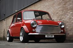 Check out this Austin Mini Cooper! Mini Cooper Classic, Classic Mini, Classic Cars, Old Mini Cooper, Cooper Car, Jaguar, Royce, Mini Morris, Mini Car