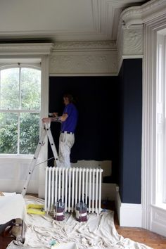 Transforming a Victorian living room with Farrow & Ball's Off Black and Shadow White, how Masonic villas turns monochrome (and looks stunning in the process) Victorian Townhouse, Victorian Homes, Victorian Interiors, Interior And Exterior, Interior Design, Exterior Paint, Hall Interior, Interior Styling, Victorian Living Room