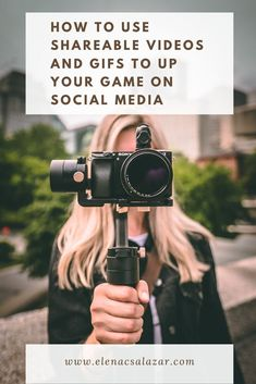 Are you hoping to become one of the most successful vloggers? These 3 tips will make your vlogging attempts a hit! Vlogging camera tips are included. Social Media Tips, Social Media Marketing, Marketing Videos, Marketing Strategies, Inbound Marketing, Content Marketing, Online Marketing, Best Vlogging Camera, Sony