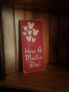 Have A Magical Day Distressed Wood Sign Disney Kitchen Decor, Disney Home Decor, Disney Diy, Disney Crafts, Disney Ideas, Disney Bathroom, Mickey Mouse Crafts, Minnie Mouse, Wood Crafts