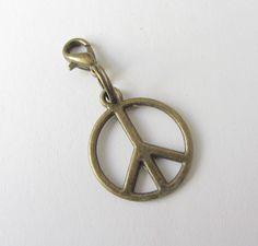 Charms - Peace-Anhänger Frieden Bronze - ein Designerstück von soschoen bei DaWanda