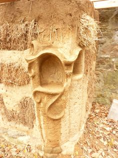 A Cob House Build - examples of simple yet beautiful details easily added Cob Building, Green Building, Building A House, Earthship Home, Tadelakt, Straw Bales, Natural Homes, Decoration Inspiration, Earth Homes