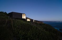 Image 1 of 22 from gallery of House Tunquén / WHALE!. Photograph by Felipe Fontecilla
