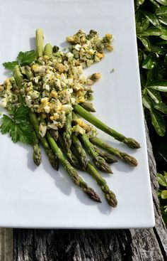 Mimosa Sauce and Spring Asparagus Easy Meals For One, Best Butter, Organic Eggs, Hollandaise Sauce, Fresh Asparagus, Fresh Bread, Boiled Eggs, My Recipes