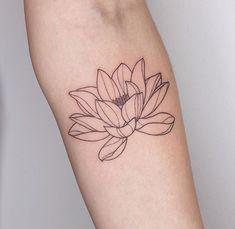 Red Lotus Tattoo, Flower Outline Tattoo, Simple Lotus Flower Tattoo, Red Flower Tattoos, Lotus Flower Tattoo Design, Flower Tattoo Back, Floral Tattoo Design, Lotus Flower Color Meaning, Lotus Tatoos