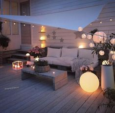 Indoor Gardening Quick, Clean Up, And Pesticide Free - Make Your Own Terrasse Inspiration and Design Back Patio, Backyard Patio, Outdoor Spaces, Outdoor Living, Outdoor Decor, Balcony Garden, Terrace, Diy Pinterest, Balkon Design