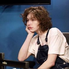 Image about king princess in kp! by c on We Heart It - king princess, mikaela straus e imagem no We Heart It You are in the right place abou - 90s Grunge Hair, Short Grunge Hair, Hair Inspo, Hair Inspiration, Hairstyles With Bangs, Cool Hairstyles, Pretty People, Beautiful People, Girl Crushes