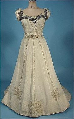 c. 1898 Ballgown / Afternoon Trained Gown of Ivory Silk Faille with Pearls Trim with Separate Sleeves