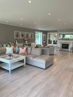 Living Room Inspiration, Decoration, Home Interior Design, The Hamptons, Sweet Home, Couch, Furniture, Home Decor, Interiors