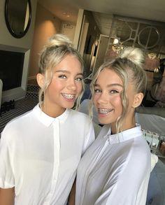 Lisa and Lena for the Teen Choice Awards Teen Choice Awards, Cute Braces Colors, Braces Tips, Dental Braces, Teeth Braces, Dental Care, Lisa Or Lena, Brace Face, Sisters Forever