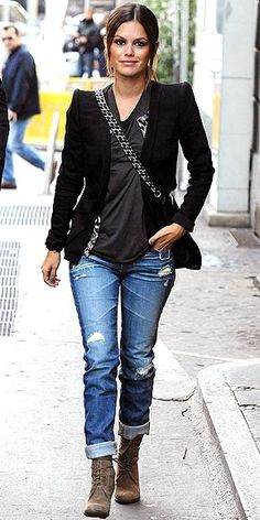 Rachel Bilson @ milan fashion week.  Love the boots.