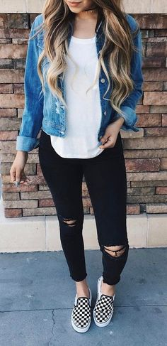 Great outfits for walking around campus! Denim is always a win.  Outfit of the day denim jacket + top + rips.