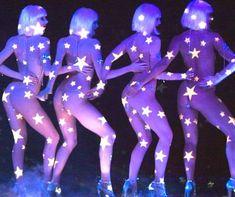The Crazy Horse Le Crazy Horse, Crazy Horse Paris, Dita Von Teese, Showgirls, Fashion Sketches, Night Club, Pin Up, Barcelona, Neon