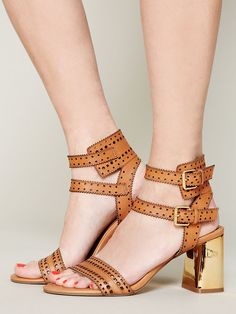 Dolce Vita Villa City Heel http://www.freepeople.com/whats-new/villa-city-heel/