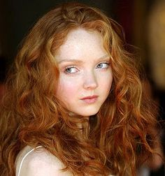 Lily Cole I really like her hair color. Lily Cole, Pale Skin Makeup, Color Del Pelo, Beauty And Fashion, Girls With Red Hair, Gorgeous Redhead, Redhead Girl, Redhead Models, Red Hair