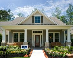 Traditional Exterior Ranch Design, Pictures, Remodel, Decor and Ideas - page 34